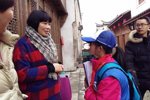 新华小记者走进历史文化街区