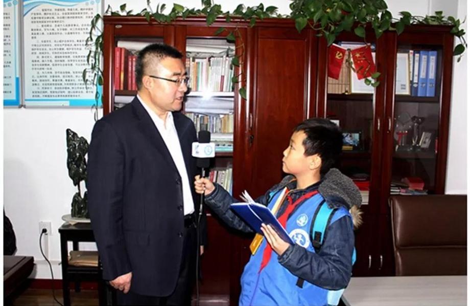 天水新华小记者走进龙园小学迎新年主题活动